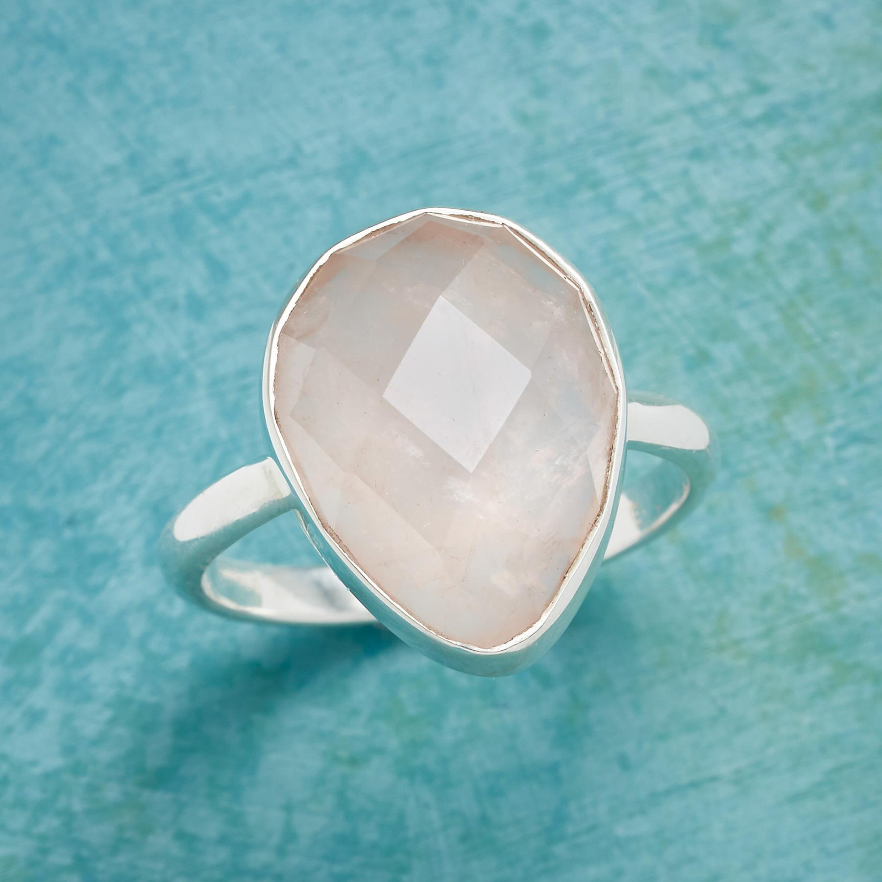 ONE PERFECT ROSE RING: View 1