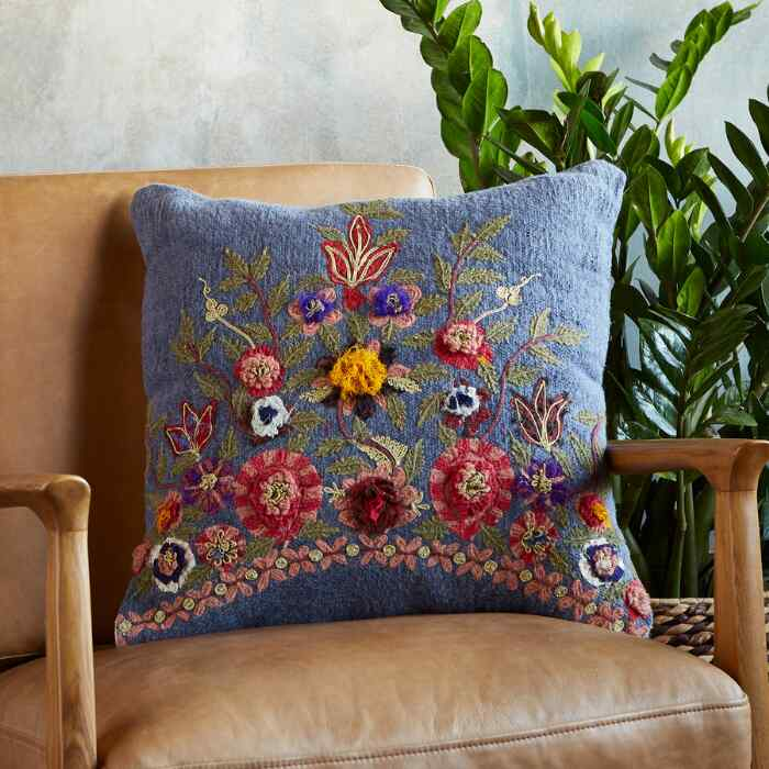 GRETA INSPIRED BLOOM PILLOW