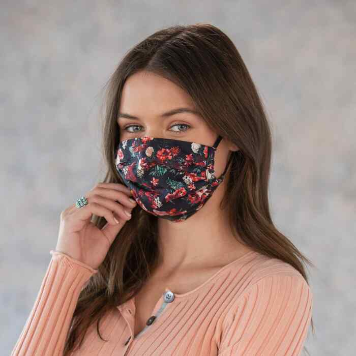 SUNDANCE FACE MASKS, SETS OF 2