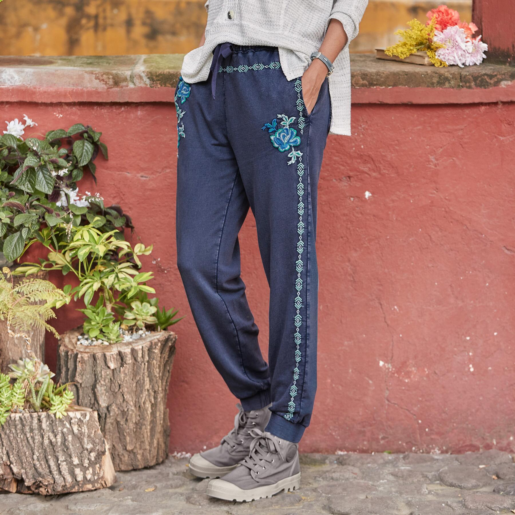 FADED FIELDS JOGGERS: View 2