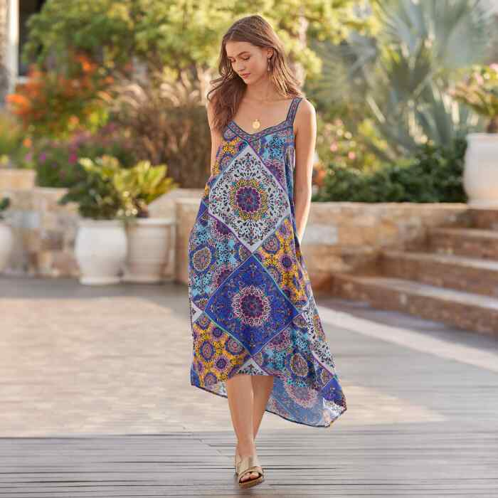 TRIYA TAPESTRY DRESS