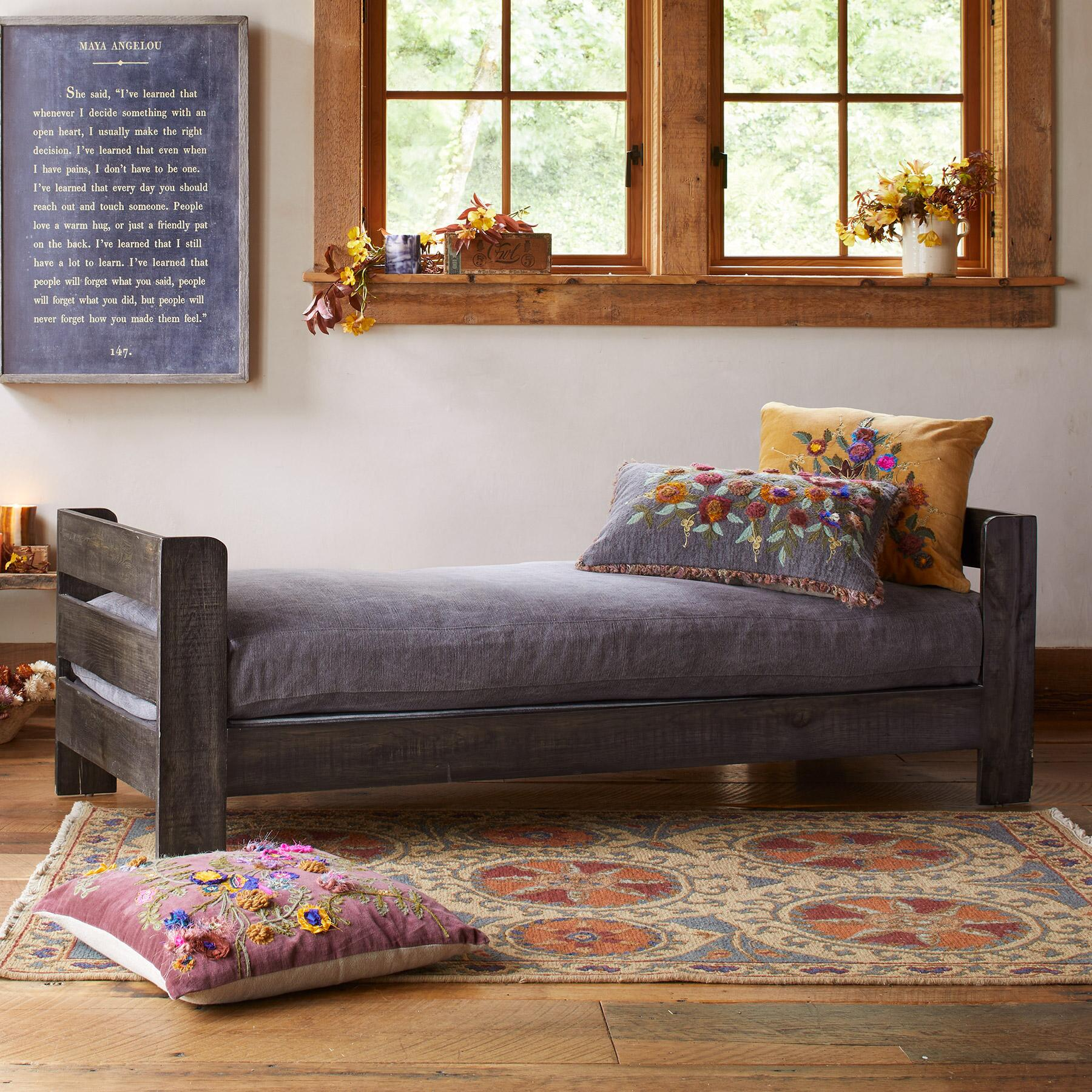FAVORITE DAY BED SLIPCOVER AND PILLOWS: View 1