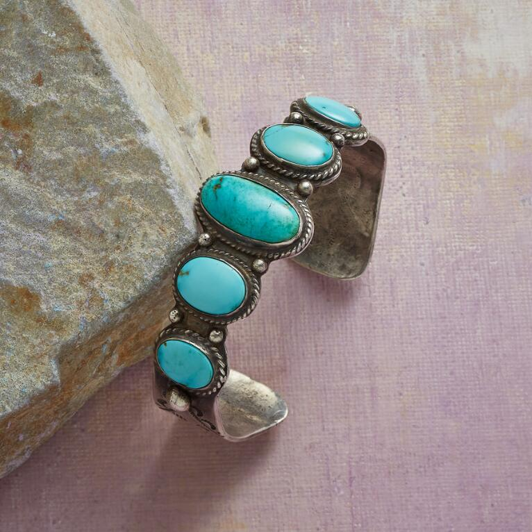 1940S PILOT MOUNTAIN TURQUOISE CUFF