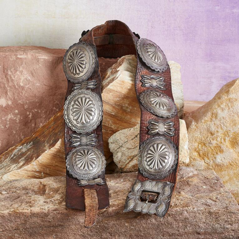 1930S COIN SILVER CONCHO BELT