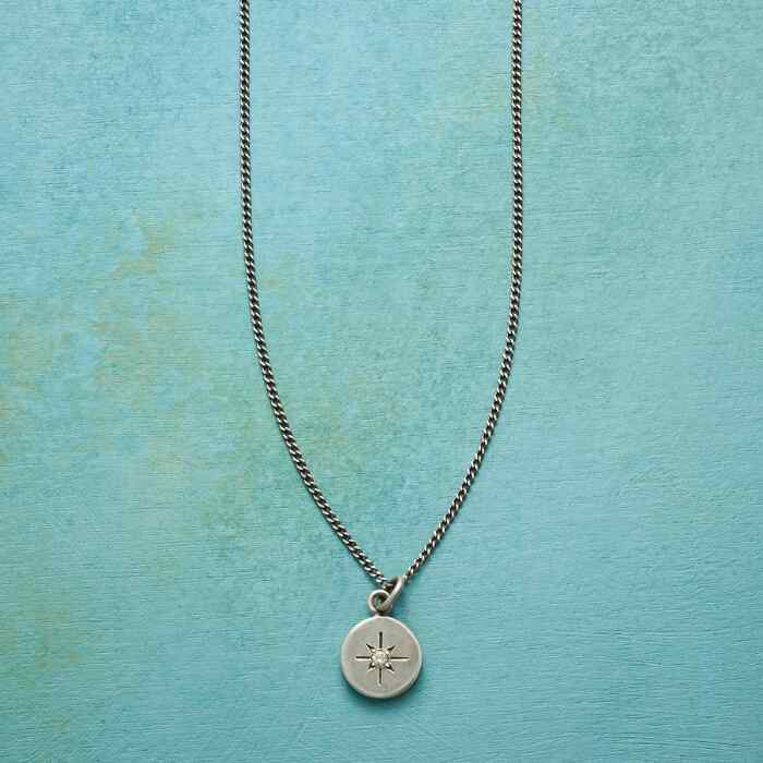 TWINKLING STAR NECKLACE