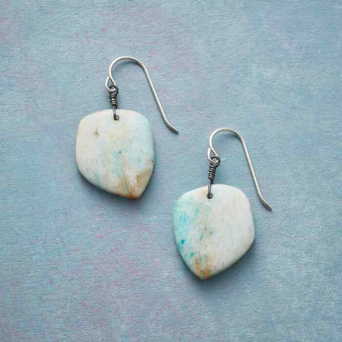 GROUNDING INFLUENCE EARRINGS