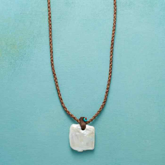 PEARL TILE NECKLACE