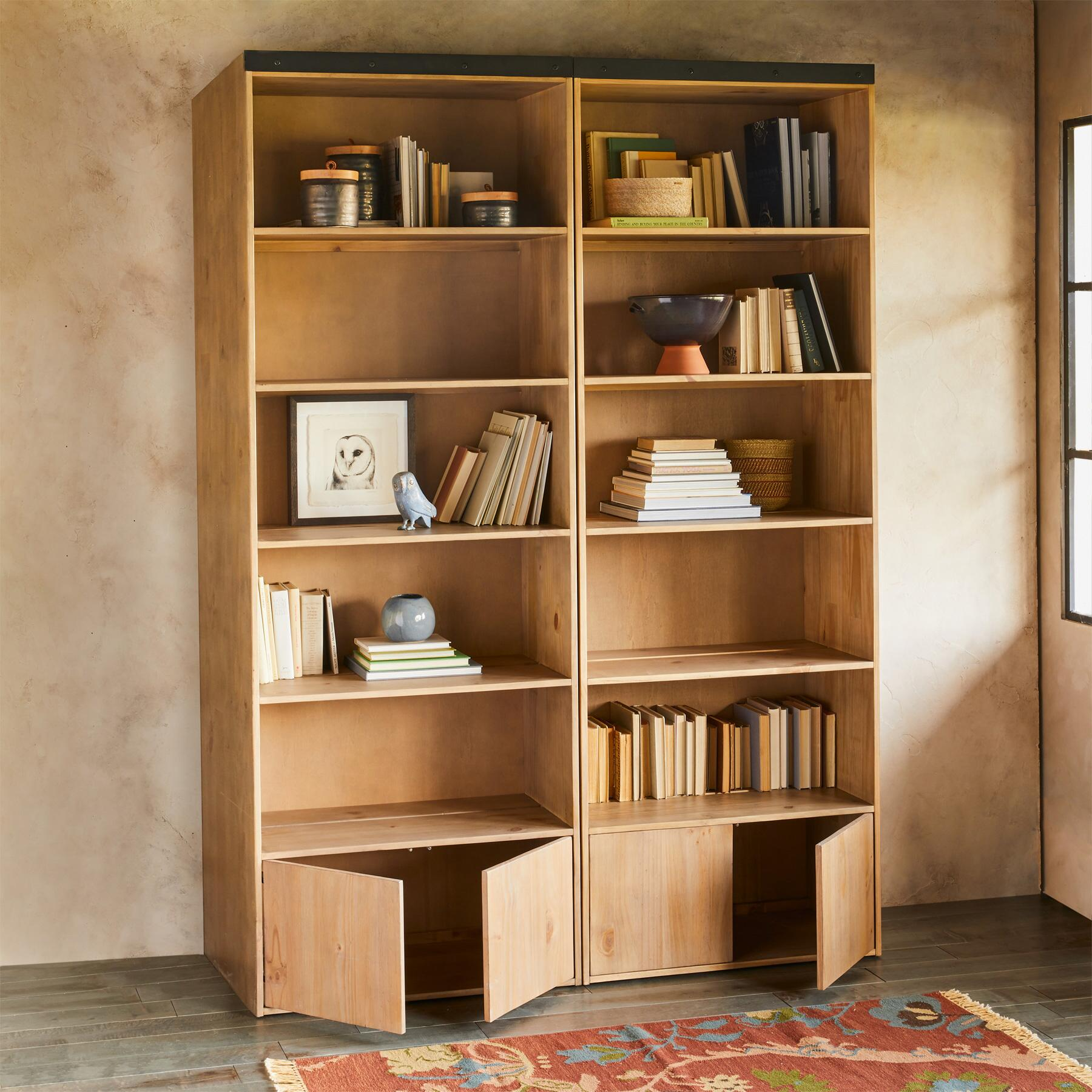 LIBRARY BOOKCASE & LADDER: View 2