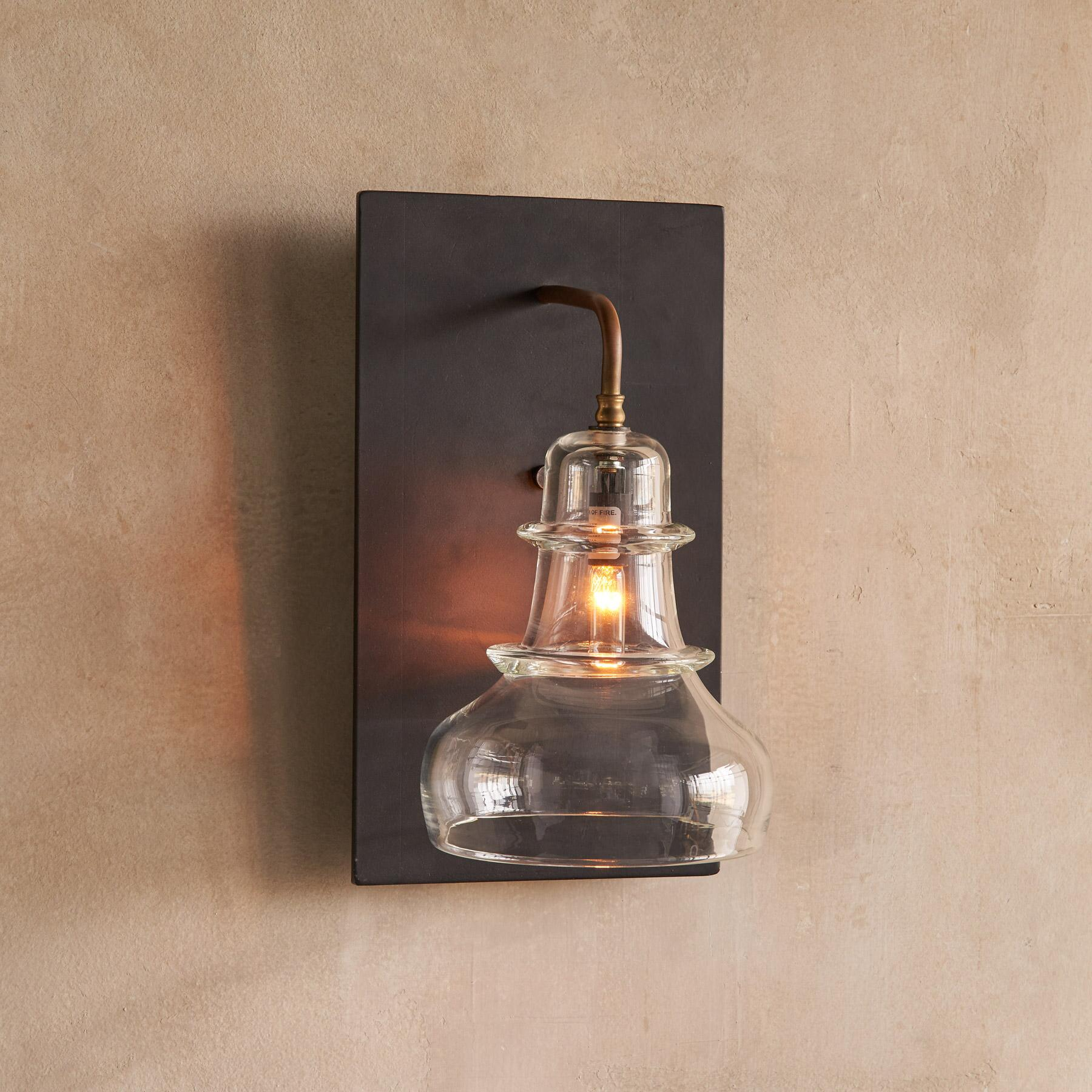 SALON GLASS SCONCE: View 1