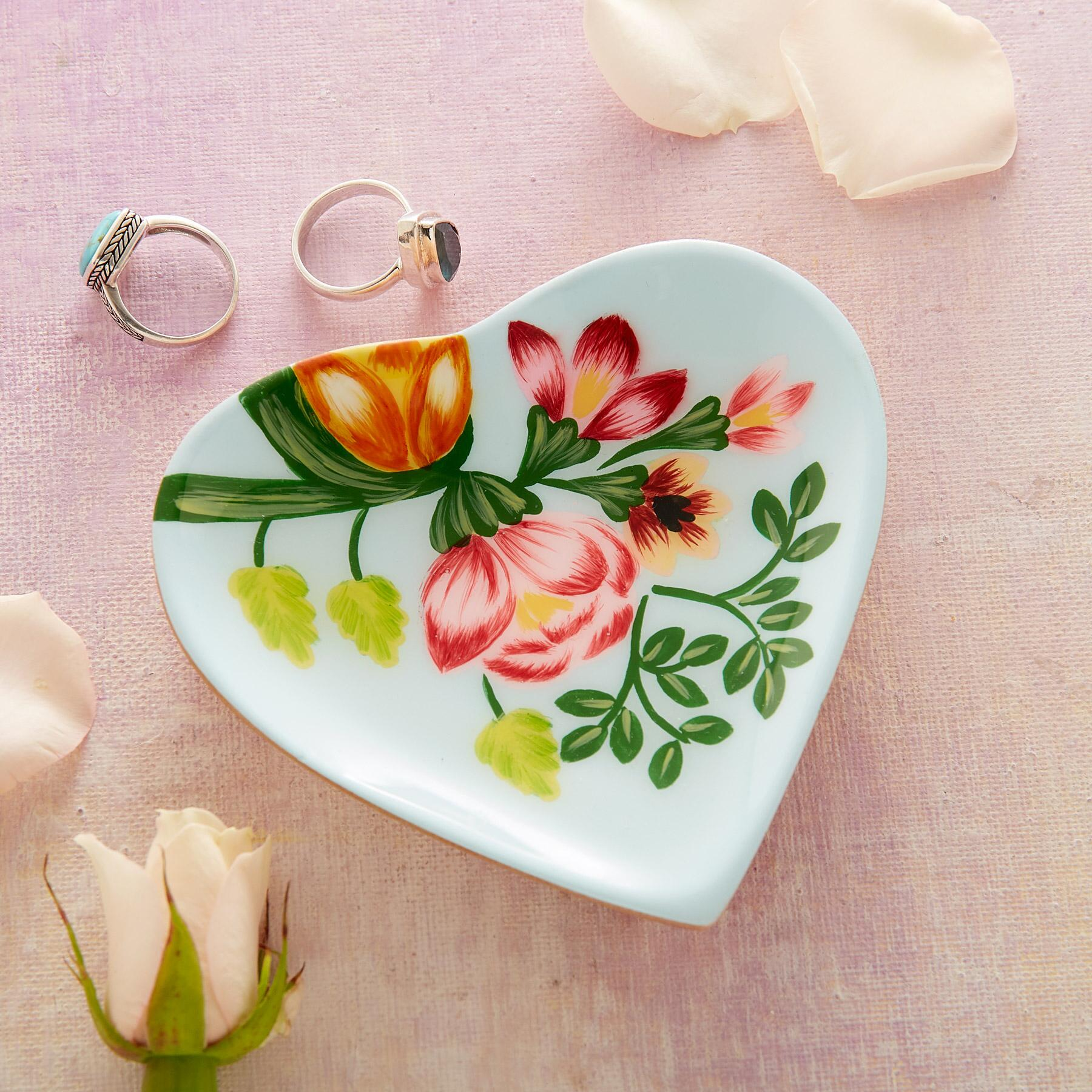 HEARTS ABLOOM SMALL DISH: View 1