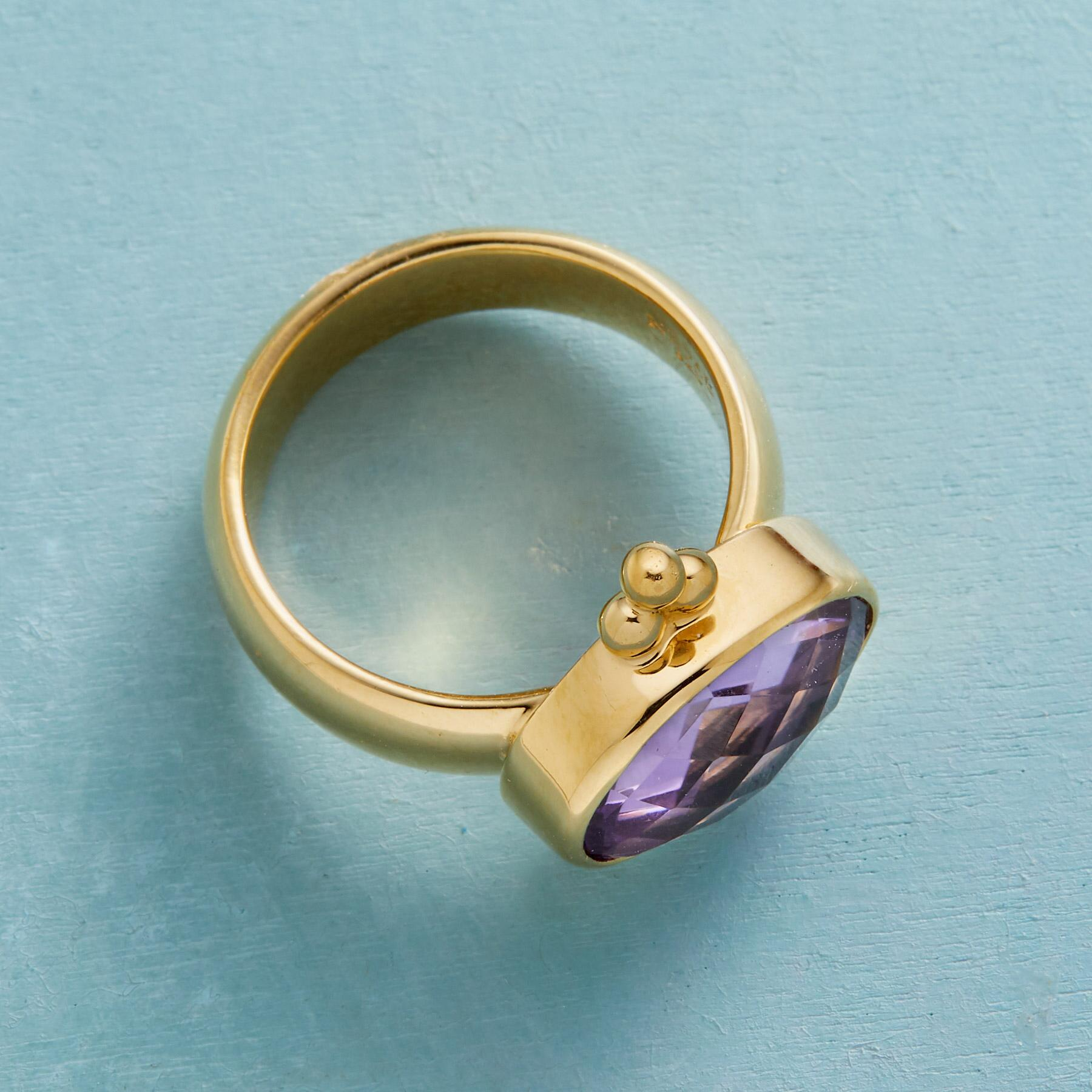 PALACE INTRIGUE RING: View 2
