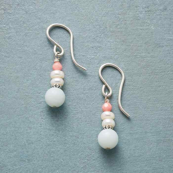 BUDDING BEAUTY EARRINGS