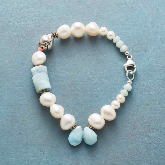 BUDDING BEAUTY BRACELET