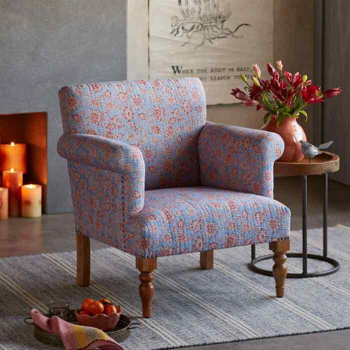 TRUDIE CHAIR