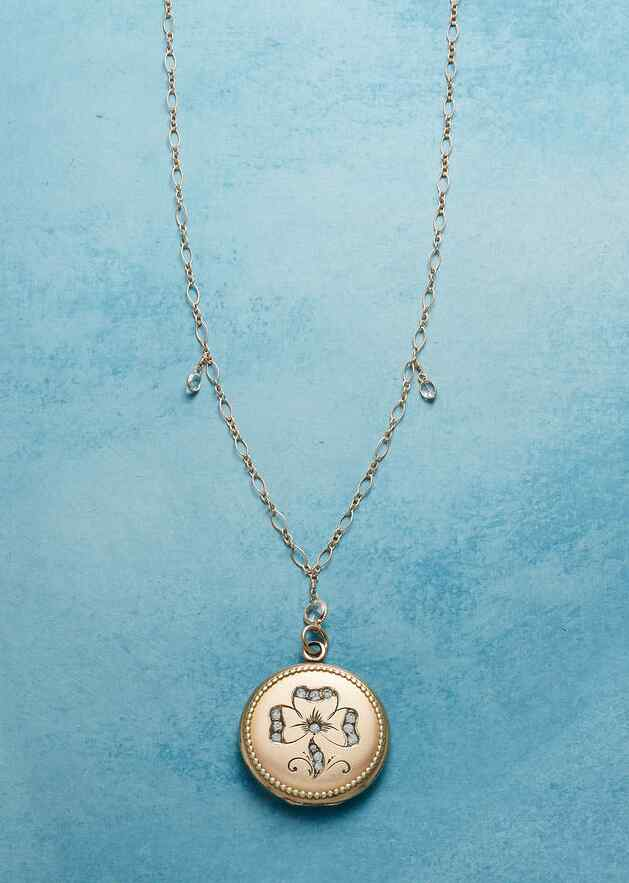 MAEVE HEIRLOOM LOCKET NECKLACE