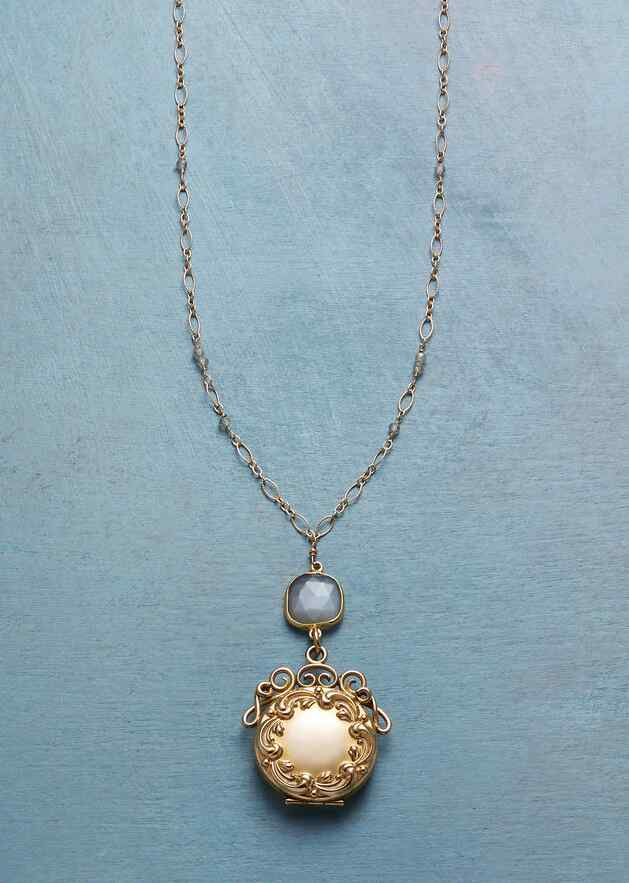 JOCELYN HEIRLOOM LOCKET NECKLACE