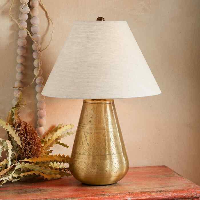 SURIN TABLE LAMP