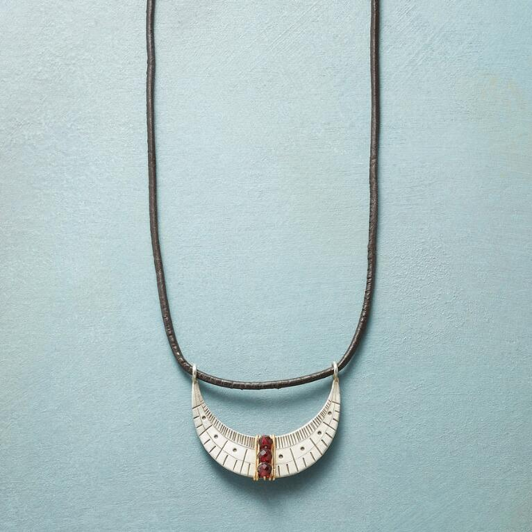 SAIL BY THE STARS NECKLACE