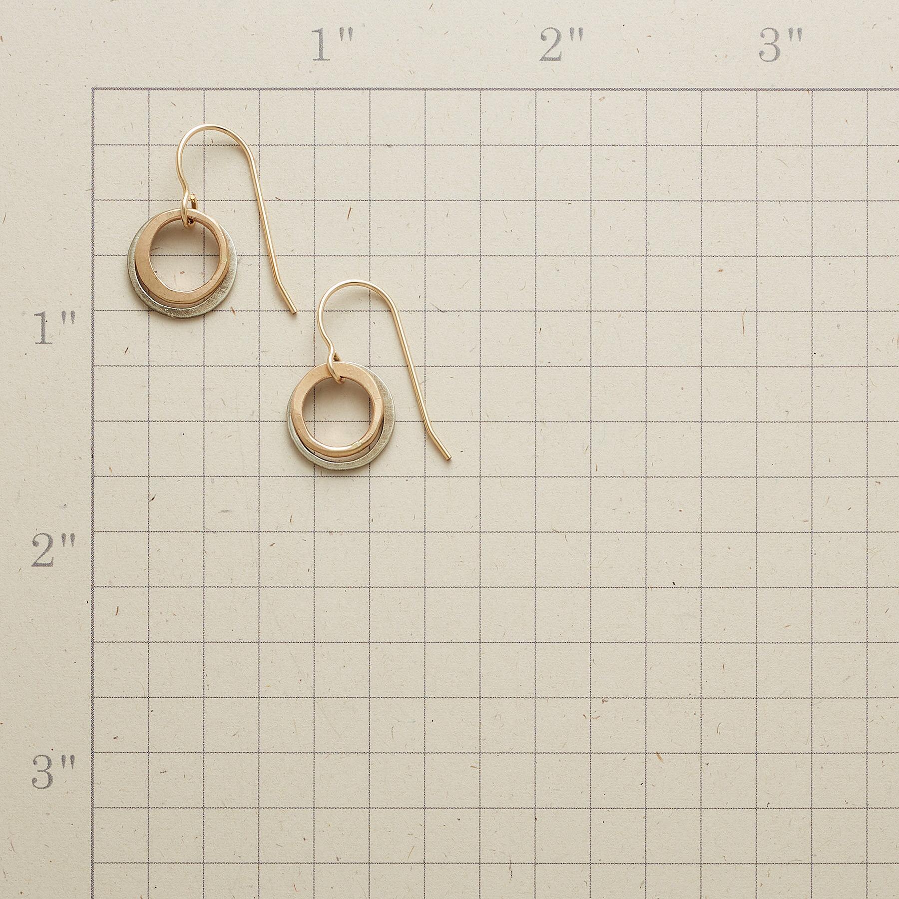 GLIMMER EARRINGS: View 2