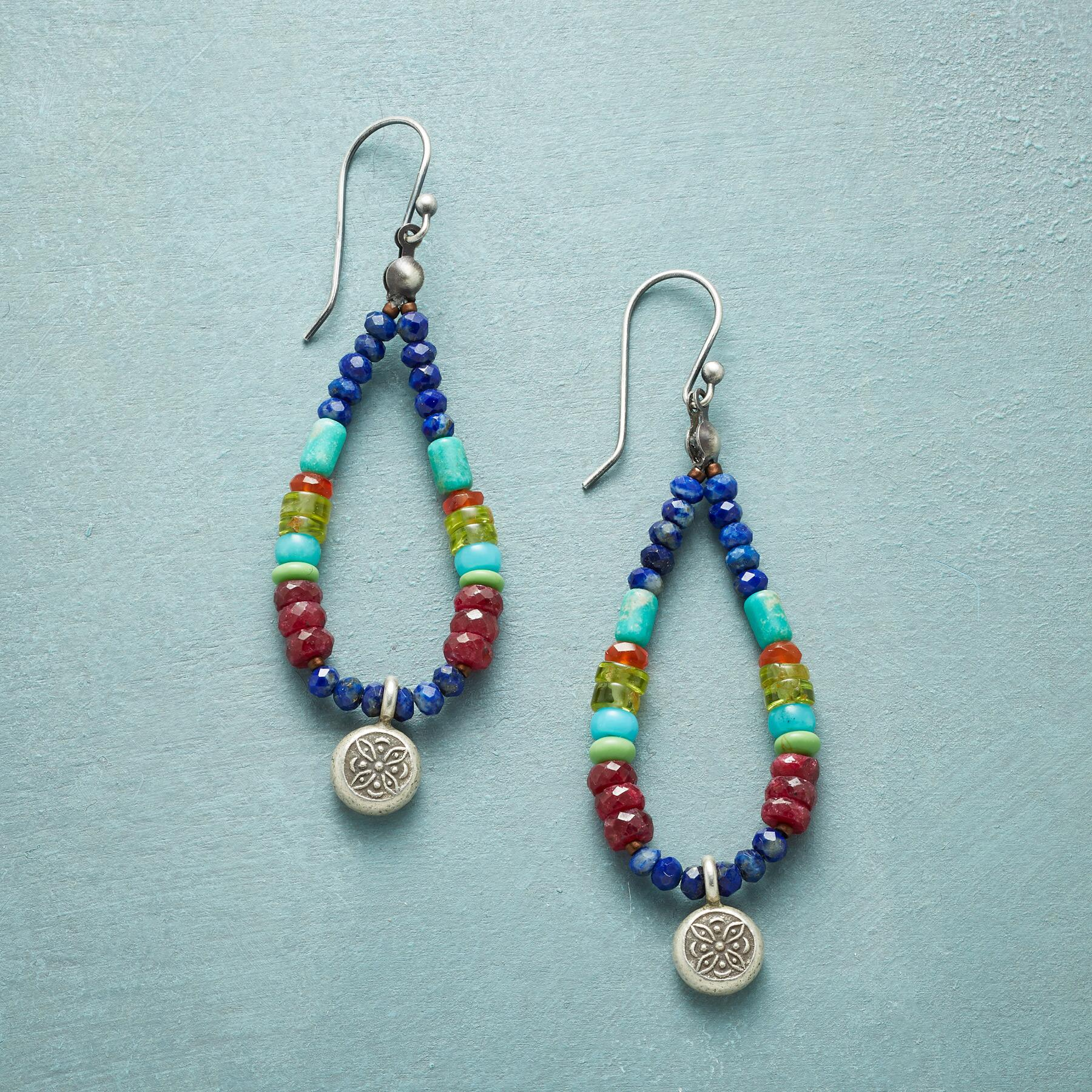 LIVING COLOR EARRINGS: View 1