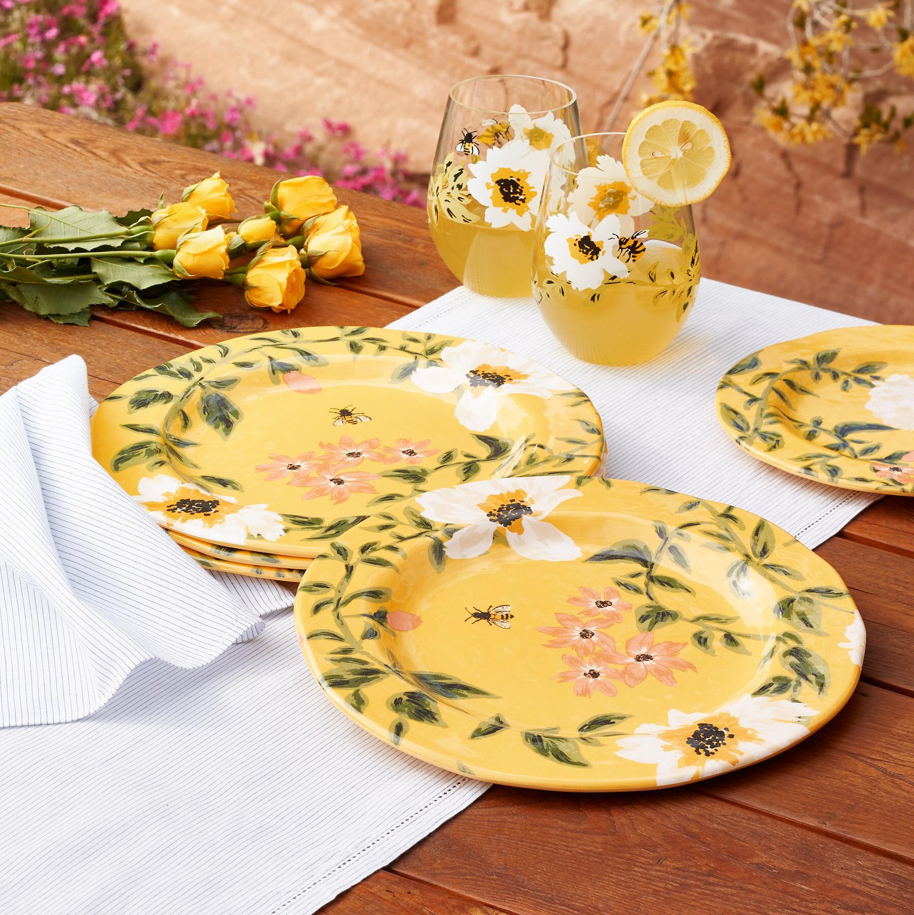 HONEYLAND DINNER PLATES, SET OF 4: View 1