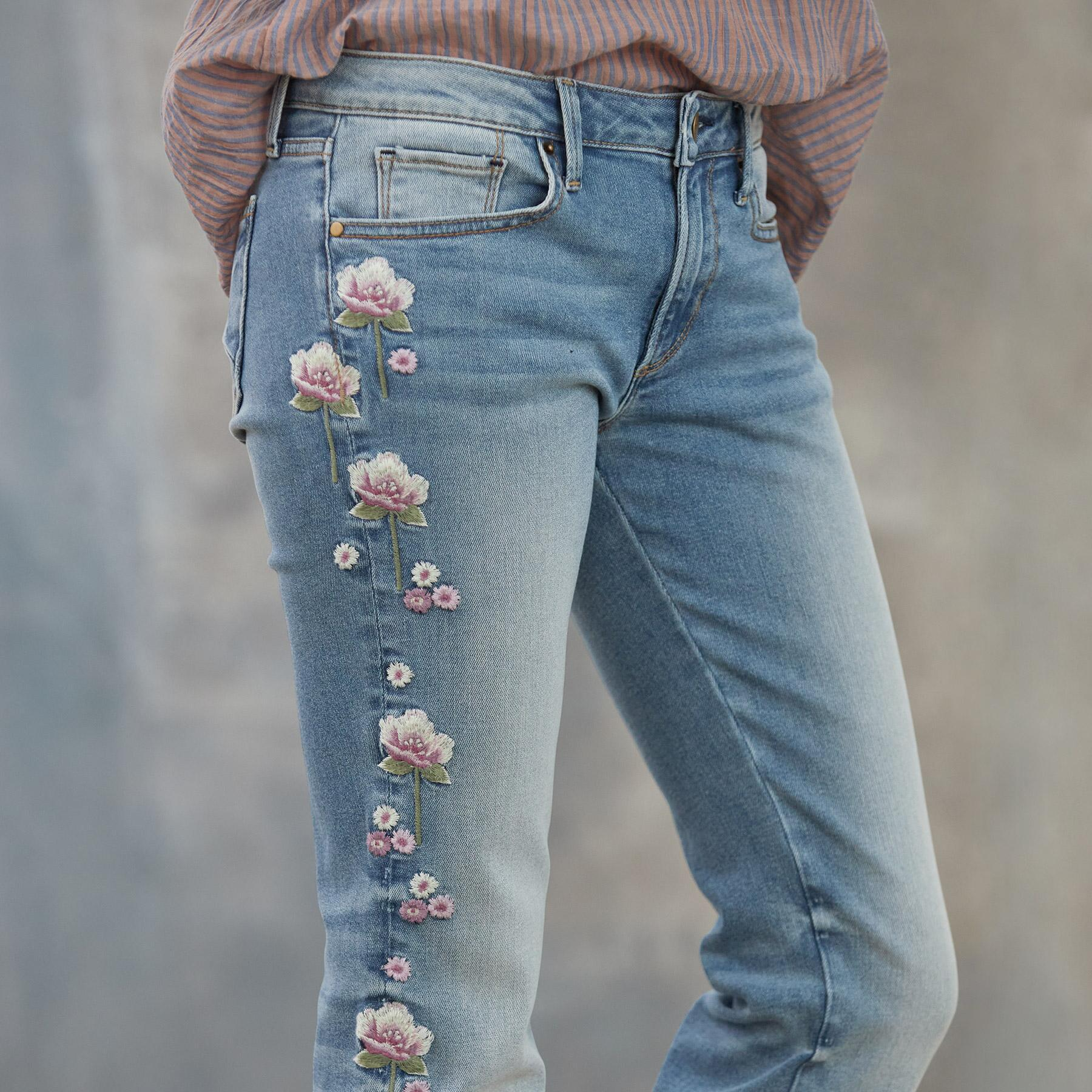 KELLY LOLLI JEANS: View 4
