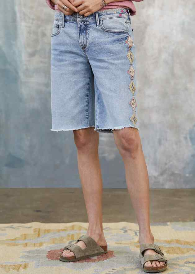 JILL EMBROIDERED SHORTS