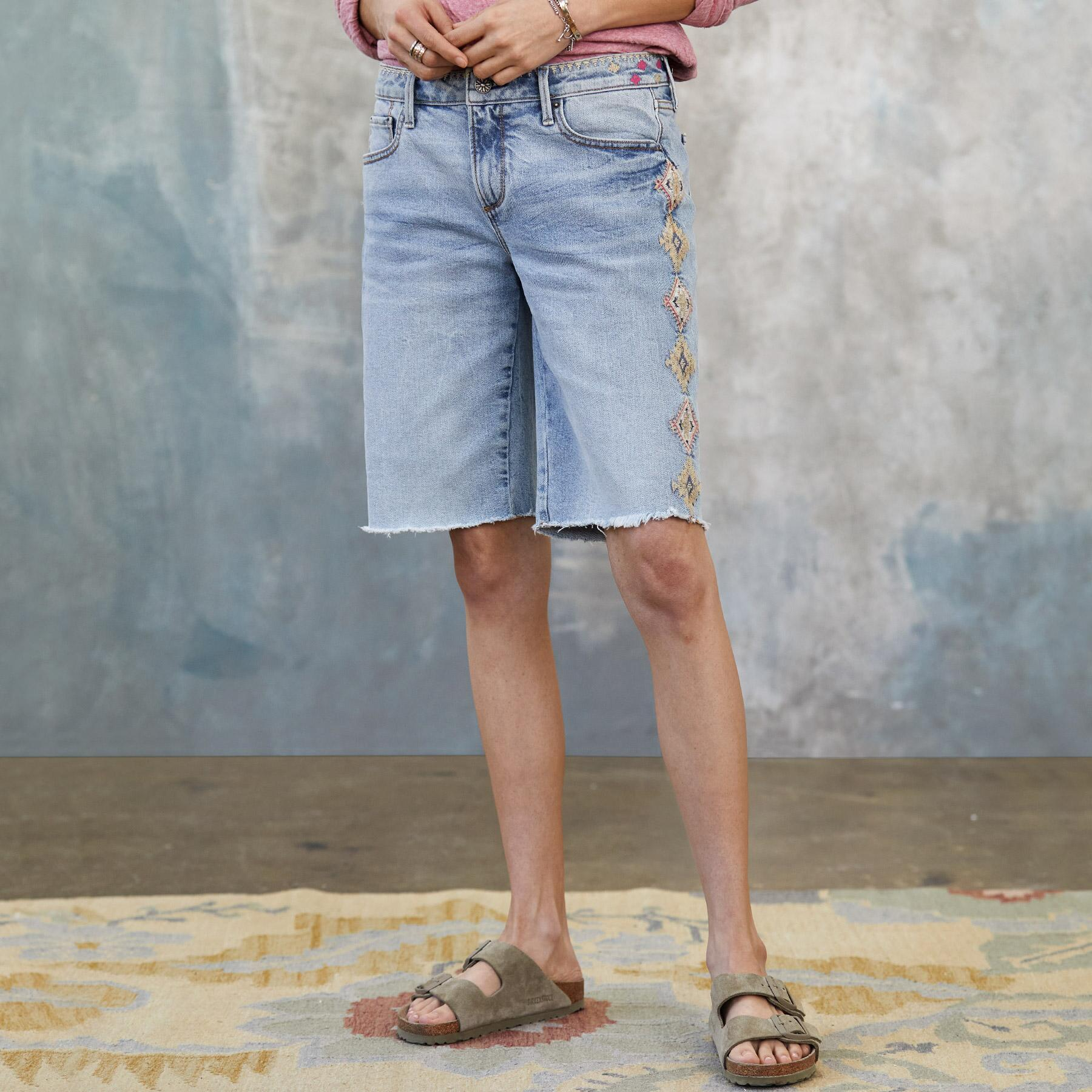 JILL EMBROIDERED SHORTS: View 1