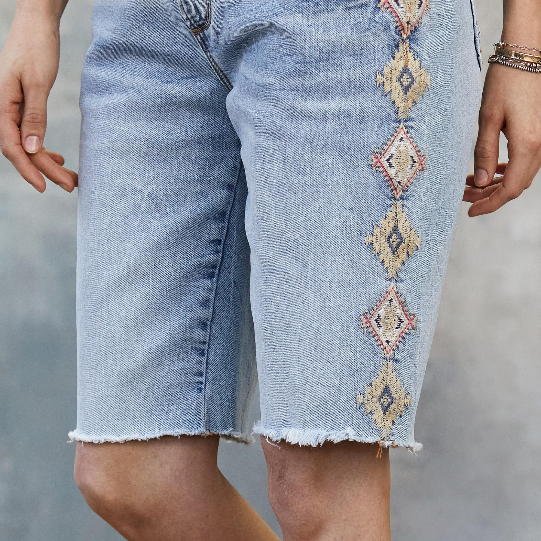 JILL EMBROIDERED SHORTS: View 4