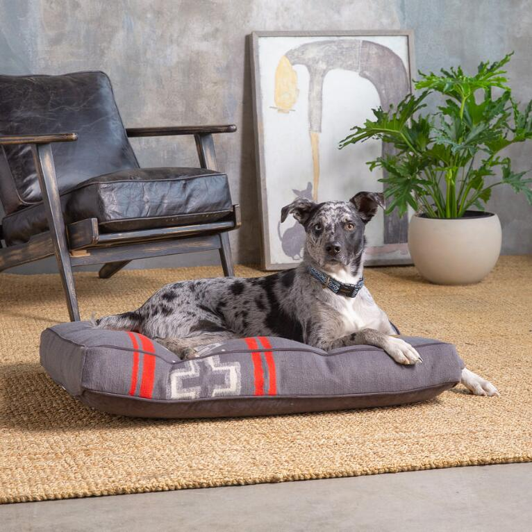 PENDLETON GRAY CROSS PETNAPPER DOG BED