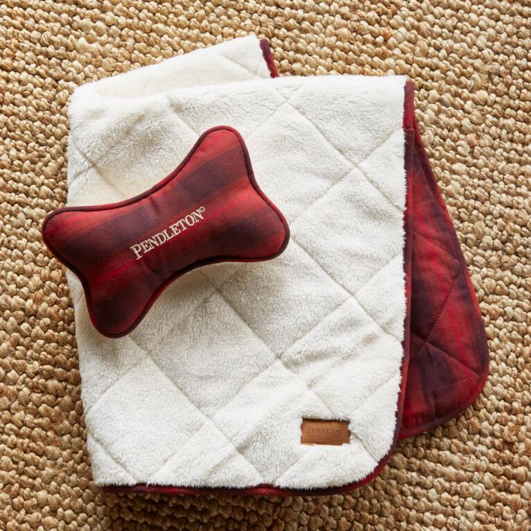 PENDLETON DOG BLANKET & TOY SET