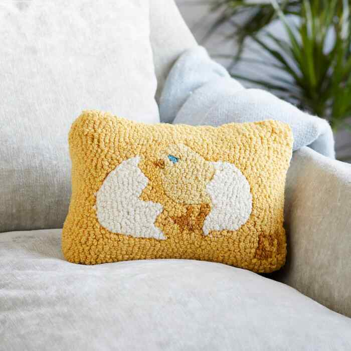 LITTLE CHICK MINI PILLOW