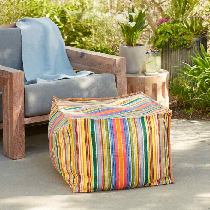 FIESTA STRIPES POUF