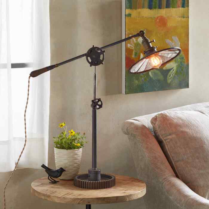 CURTIS TABLE LAMP