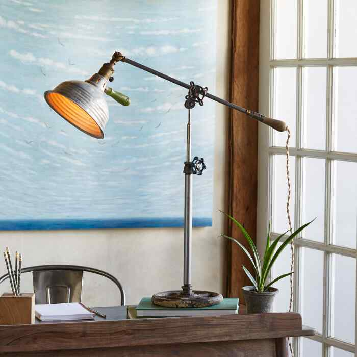 HOLLISTER TABLE LAMP