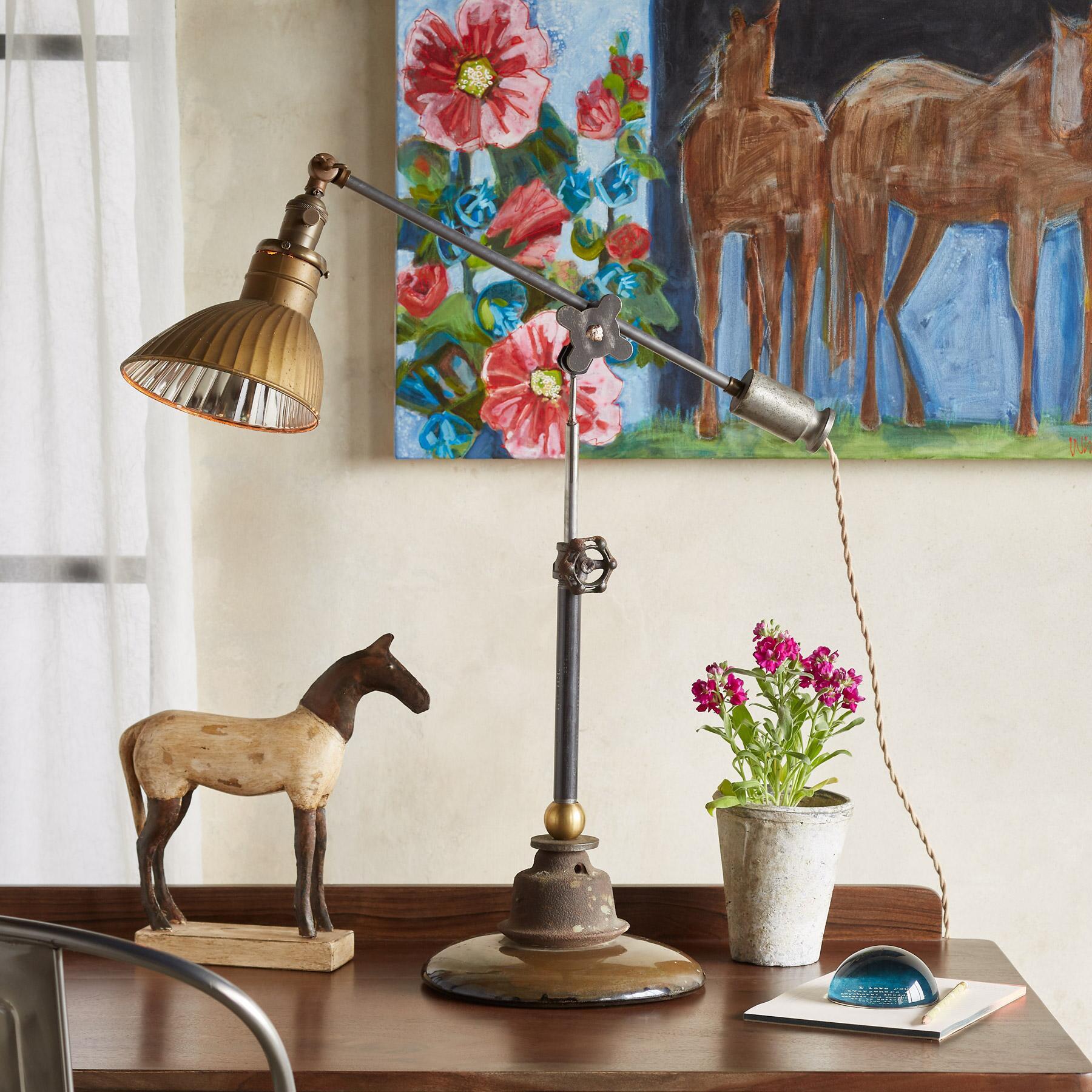 CARELTON TABLE LAMP: View 1