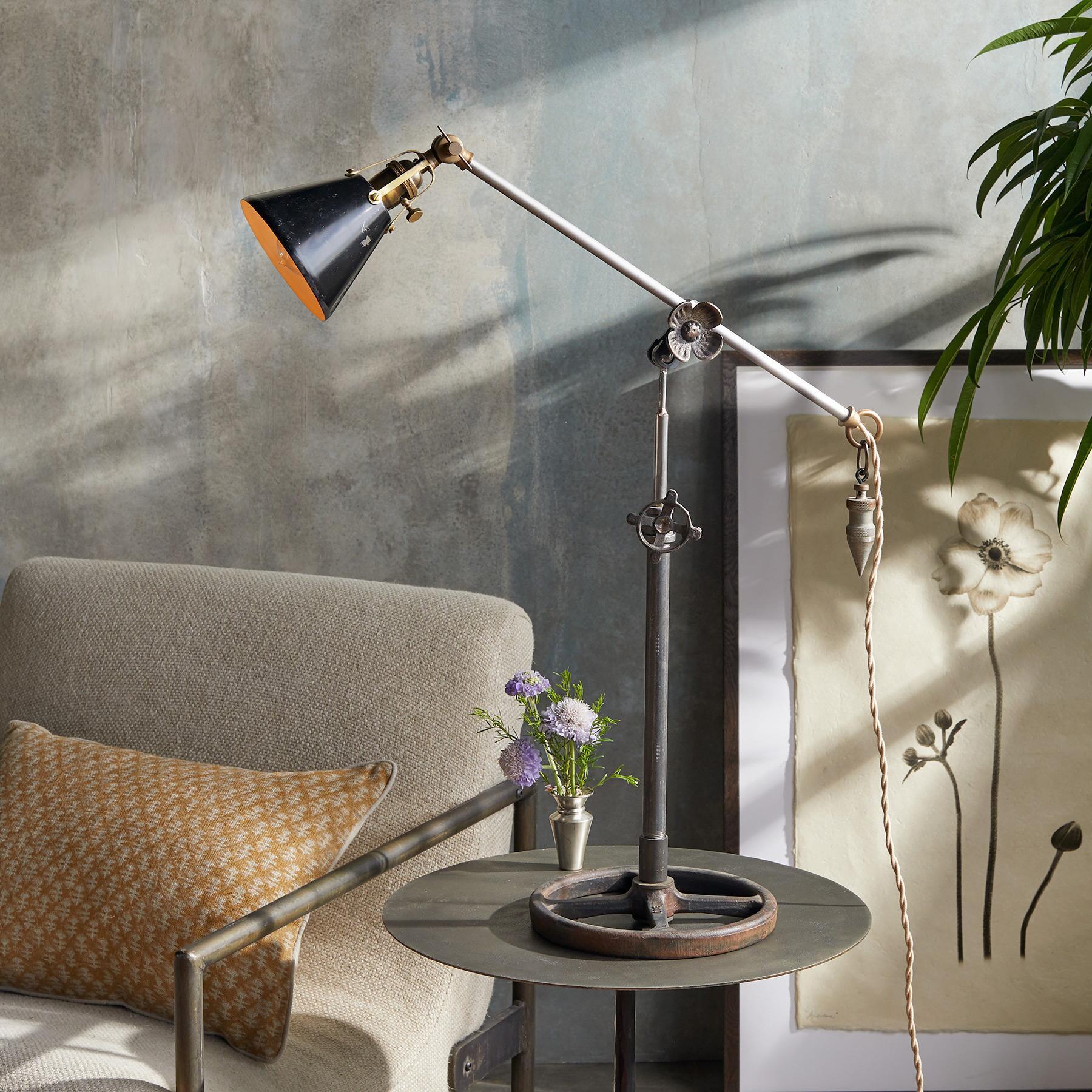 ESTES TABLE LAMP: View 1