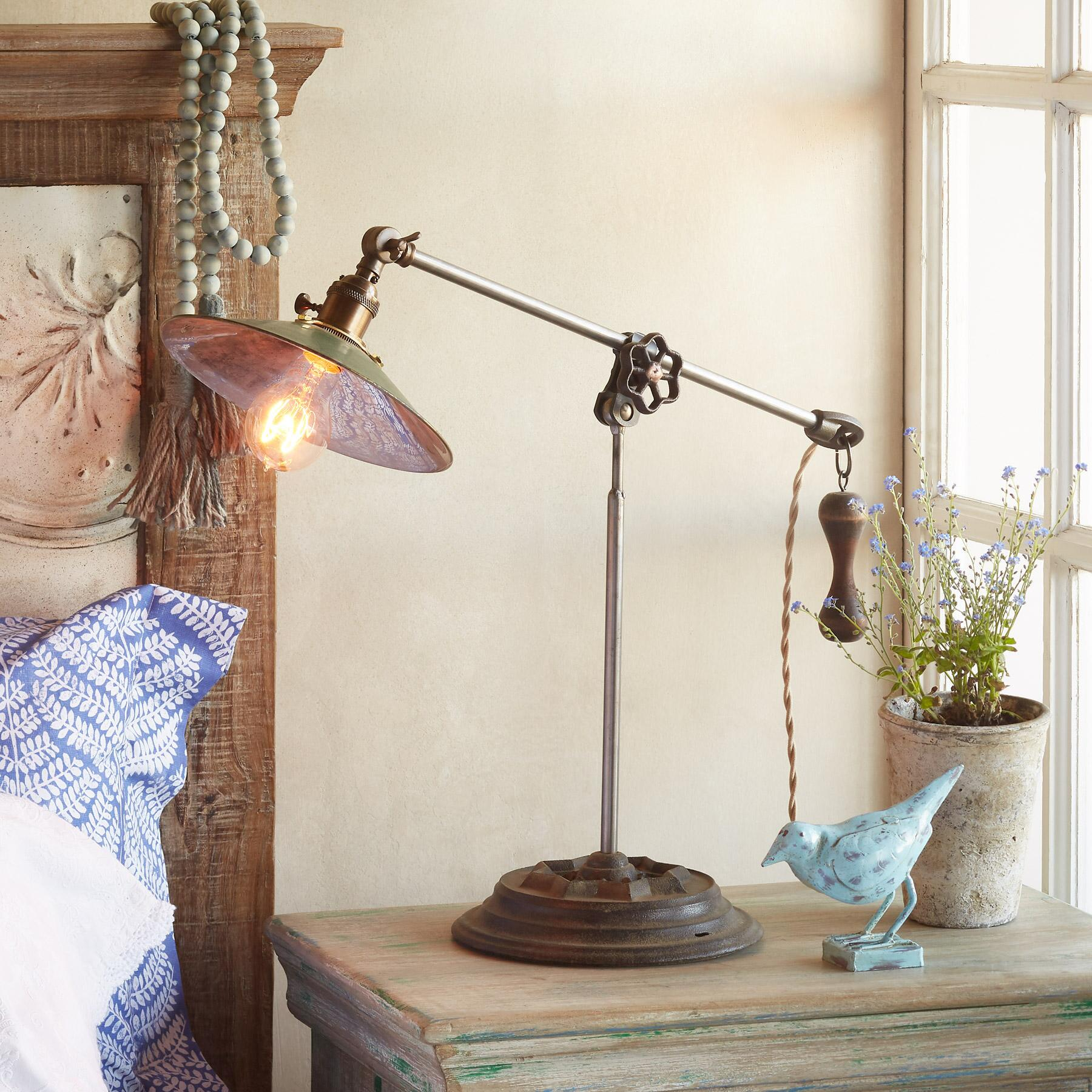 COOLIDGE TABLE LAMP: View 1