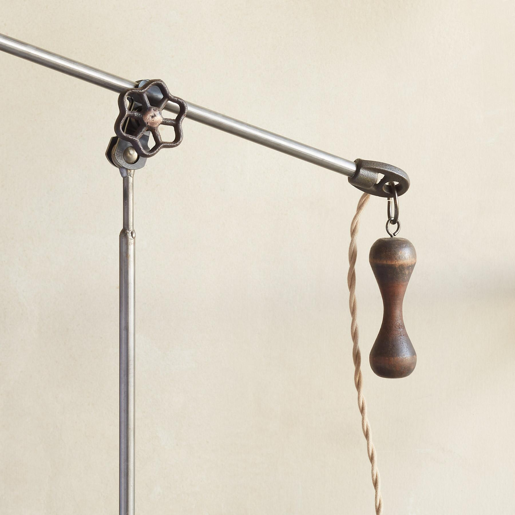 COOLIDGE TABLE LAMP: View 3