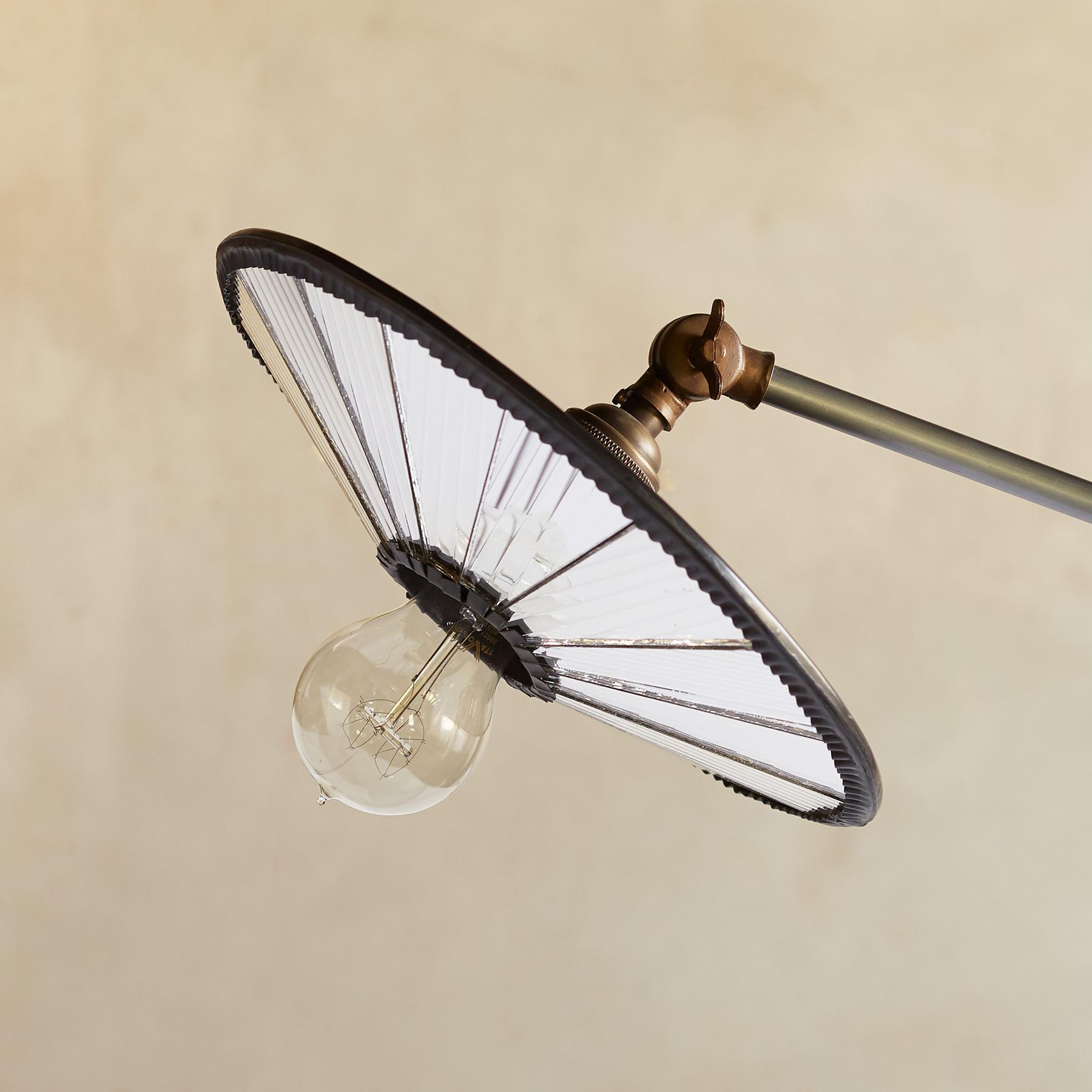 VEGA FLOOR LAMP: View 2