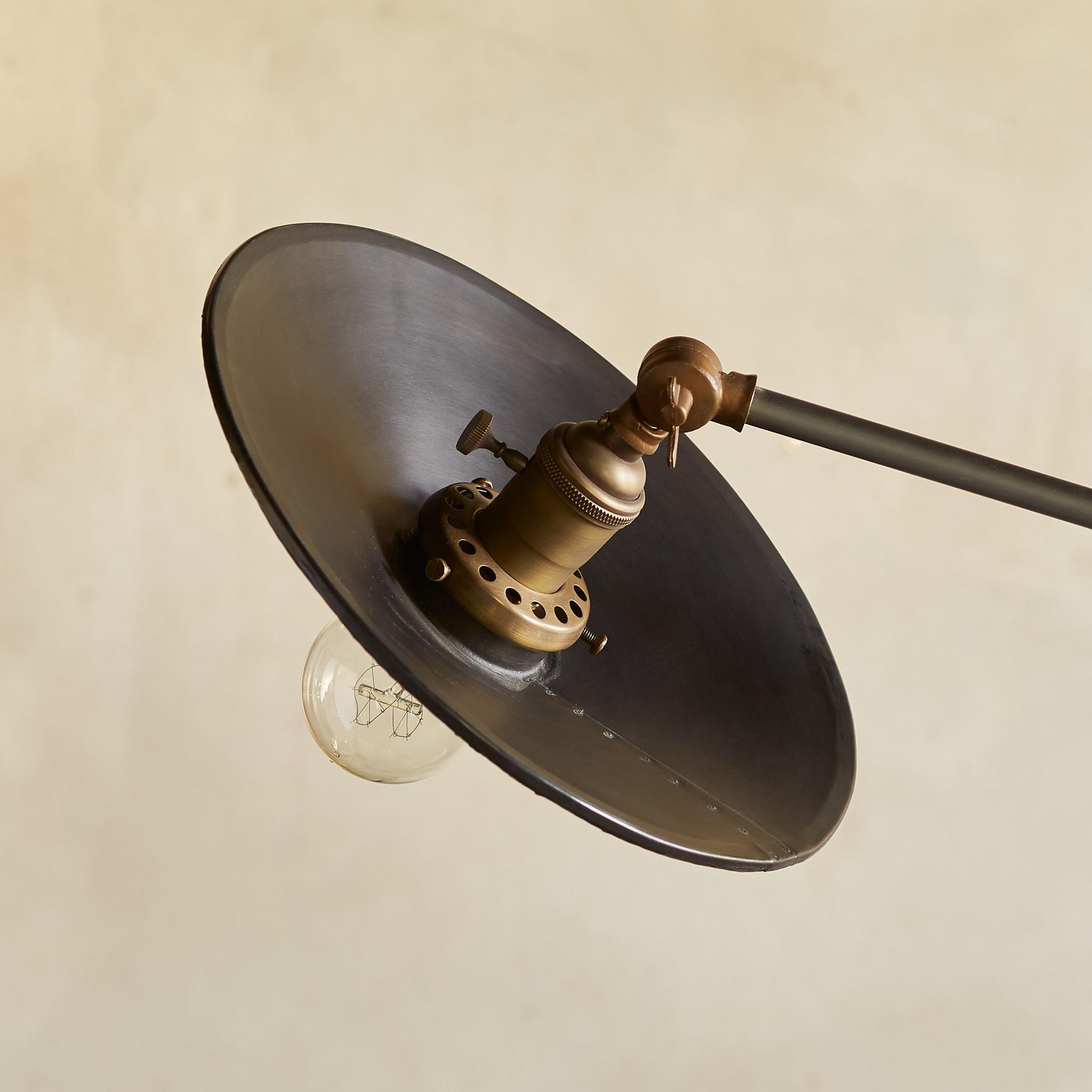 VEGA FLOOR LAMP: View 3