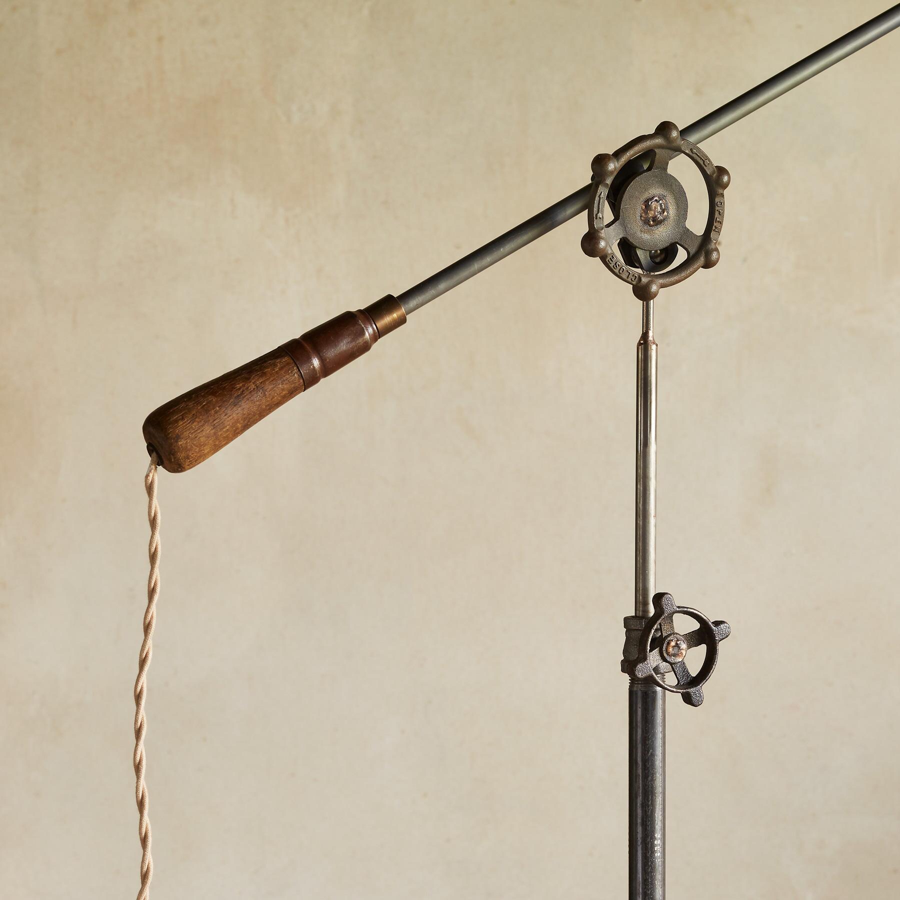 HODGSON FLOOR LAMP: View 3