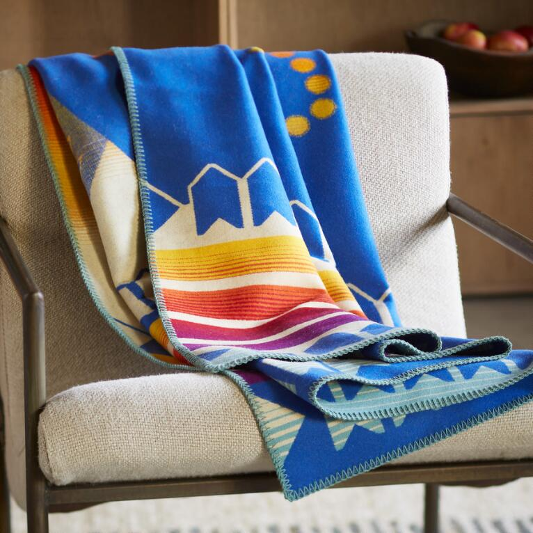COURAGE TO BLOOM BLANKET