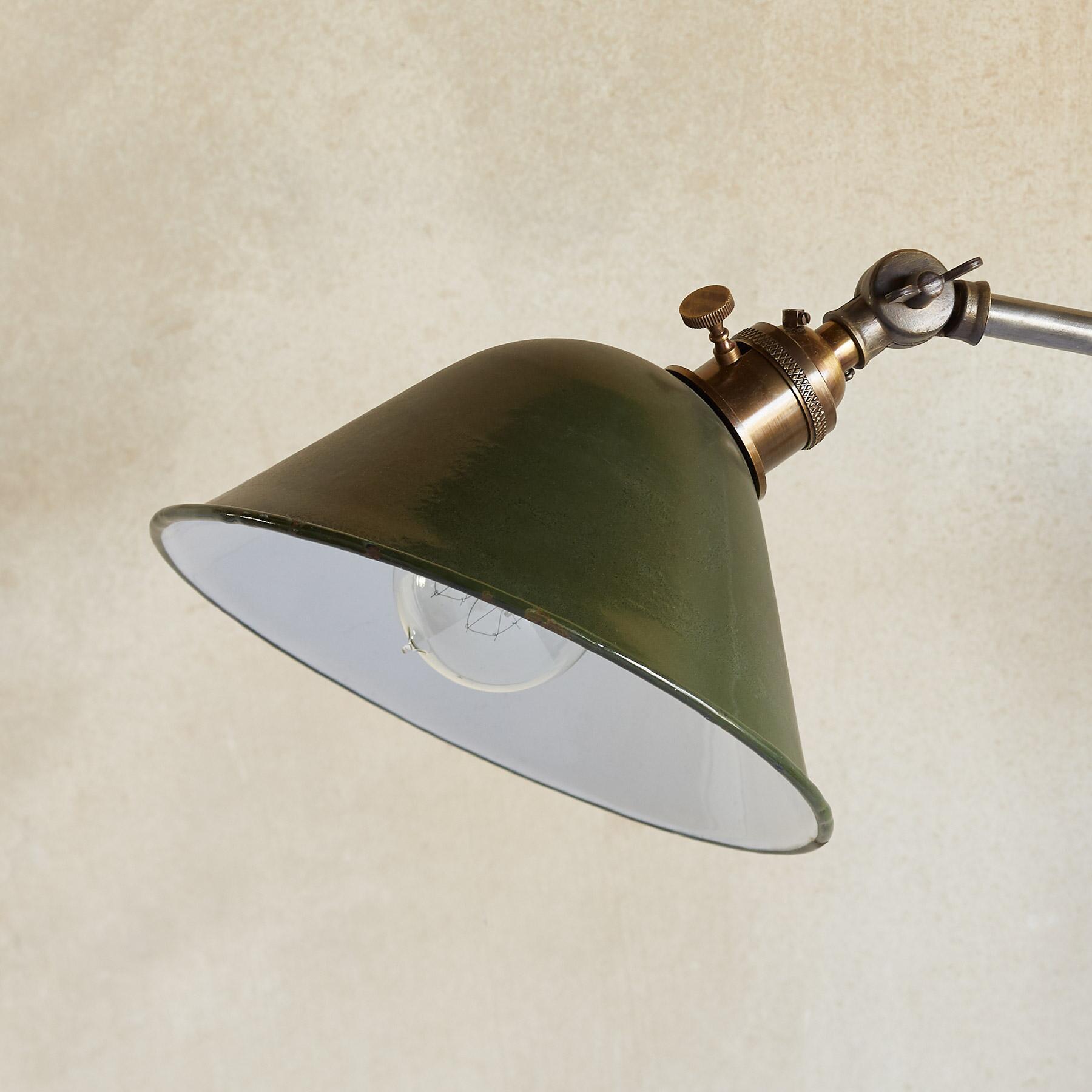 SANFORD TABLE LAMP: View 2
